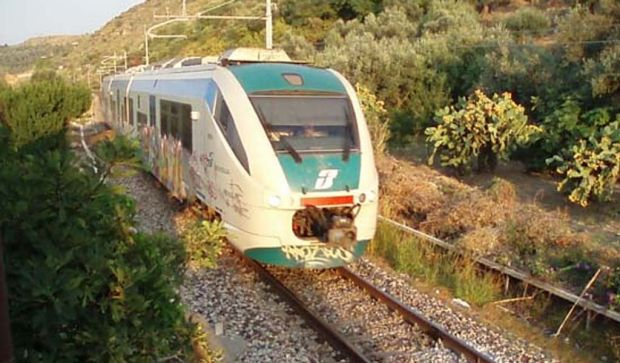 tratte-soppresse-ritardi-e-sale-d-and-rsquo-attesa-chiuse-pd-and-ldquo-degrado-ferrovie-in-sardegna-and-rdquo