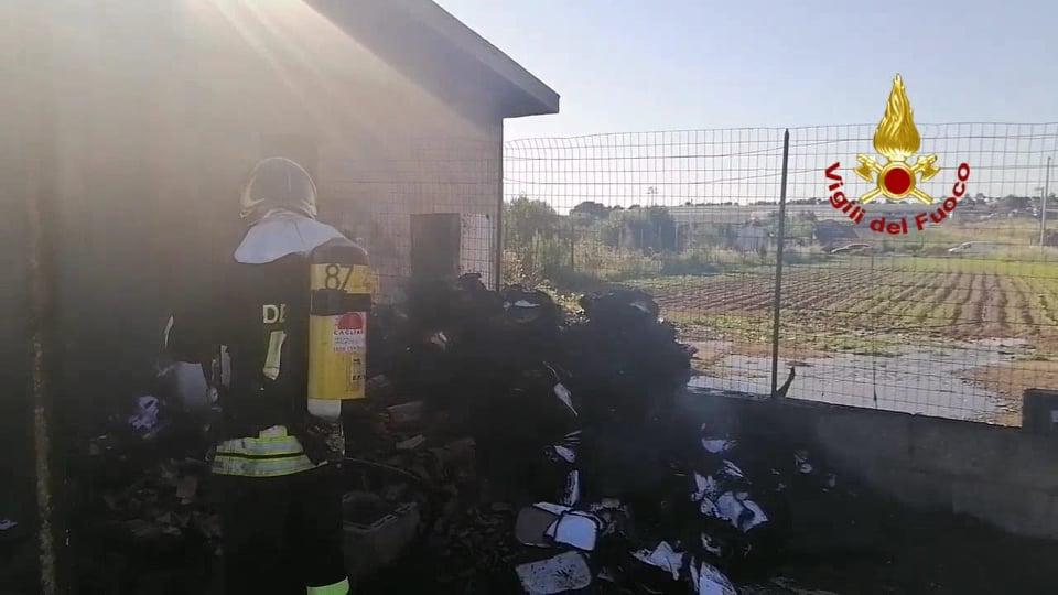 Sestu, casolare in fiamme: intervento dei Vigili del Fuoco ...